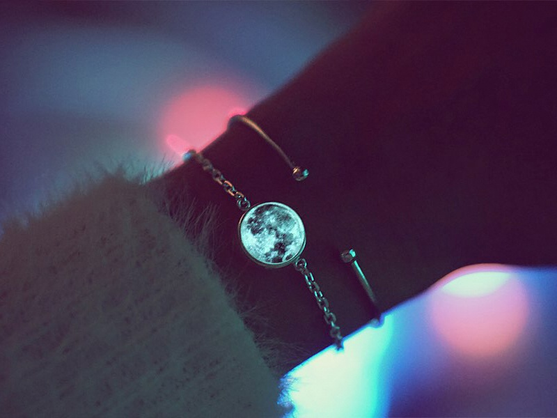 Glow Moon  Necklace/Bracelet